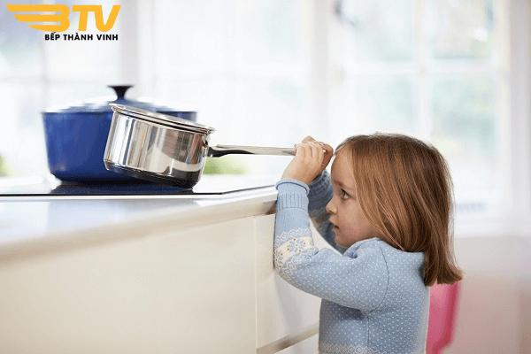 khóa an toàn trẻ em bếp từ bosch